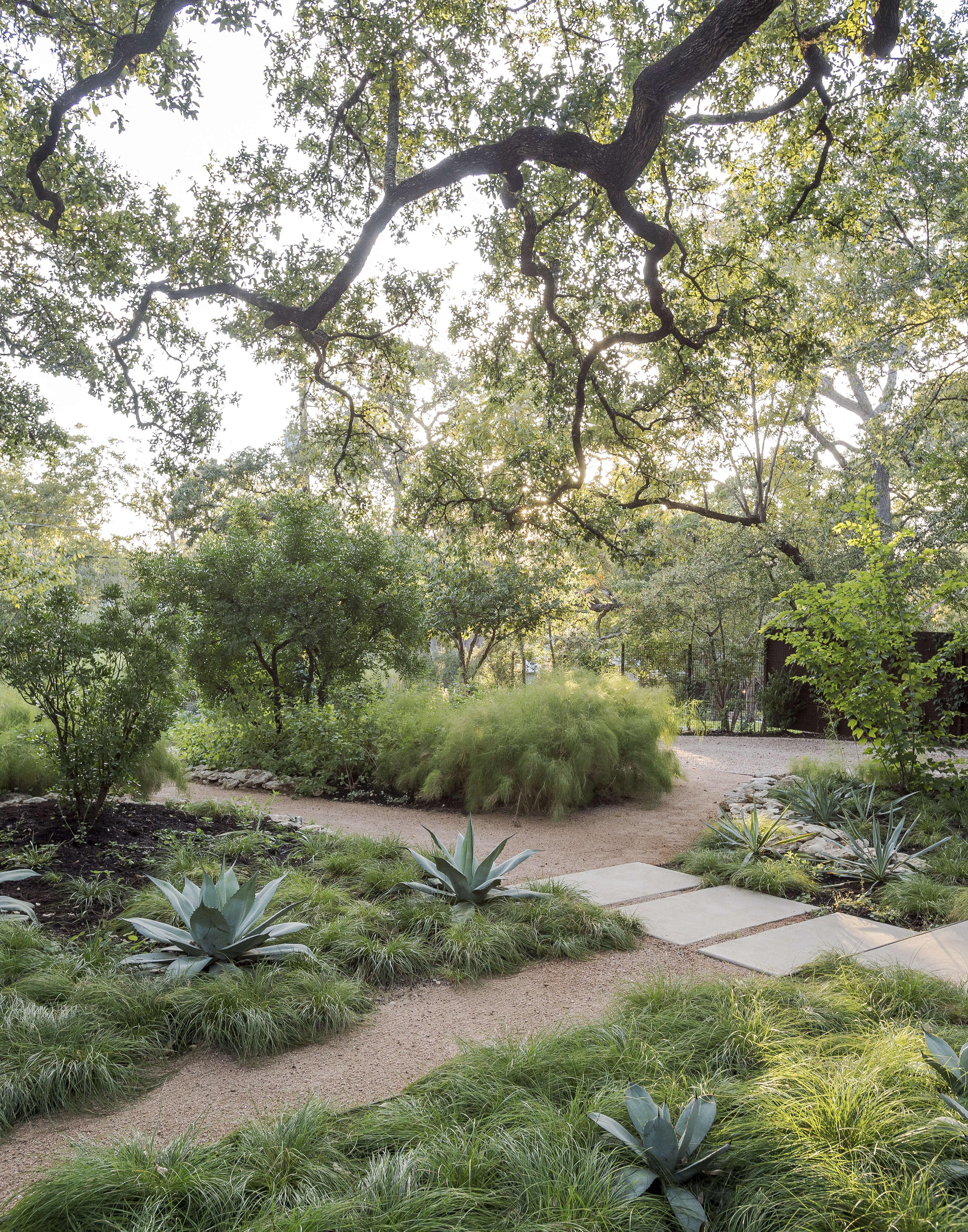 Hardscaping 101 Filler Stones for Paths Gardenista Sourcebook