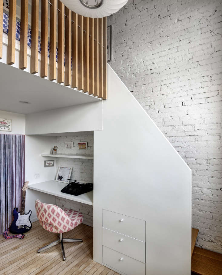 the stairs in architect jennifer hanlin&#8\2\16;s daughter&#8\2\17;s lo 12