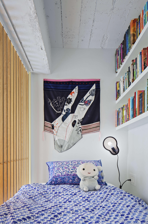 Jennifer Hanlin Cobble Hill Apartment Childs Room, Photo by Eduard Hueber