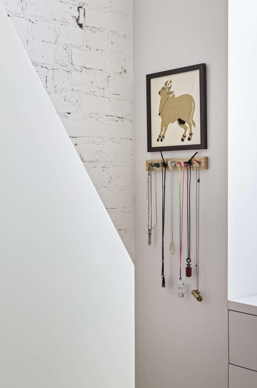 Jennifer Hanlin Cobble Hill Apartment Stair Detail, Photo by Eduard Hueber