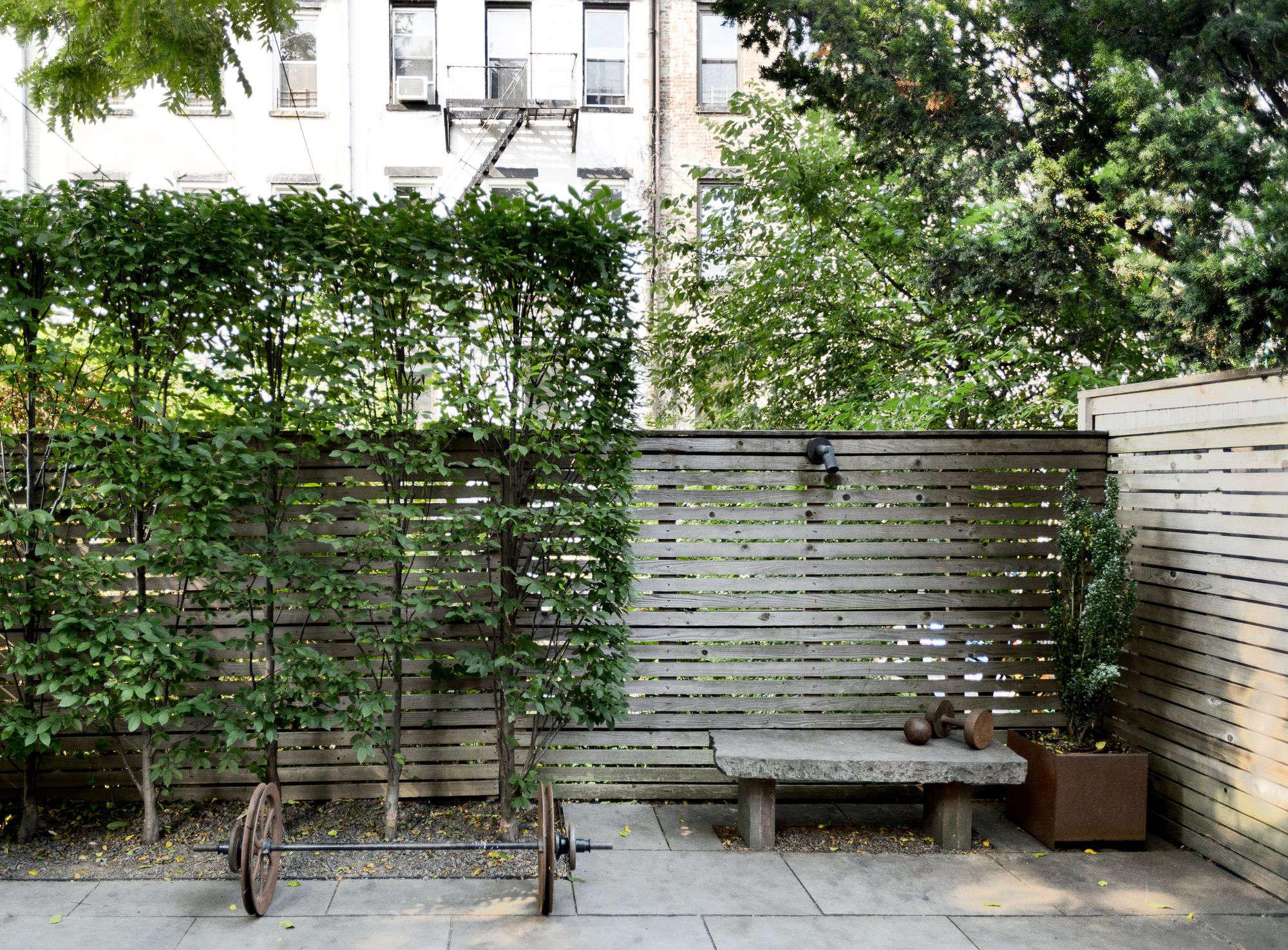 Garden Hacks: 9 Ideas for Privacy Screens - Gardenista
