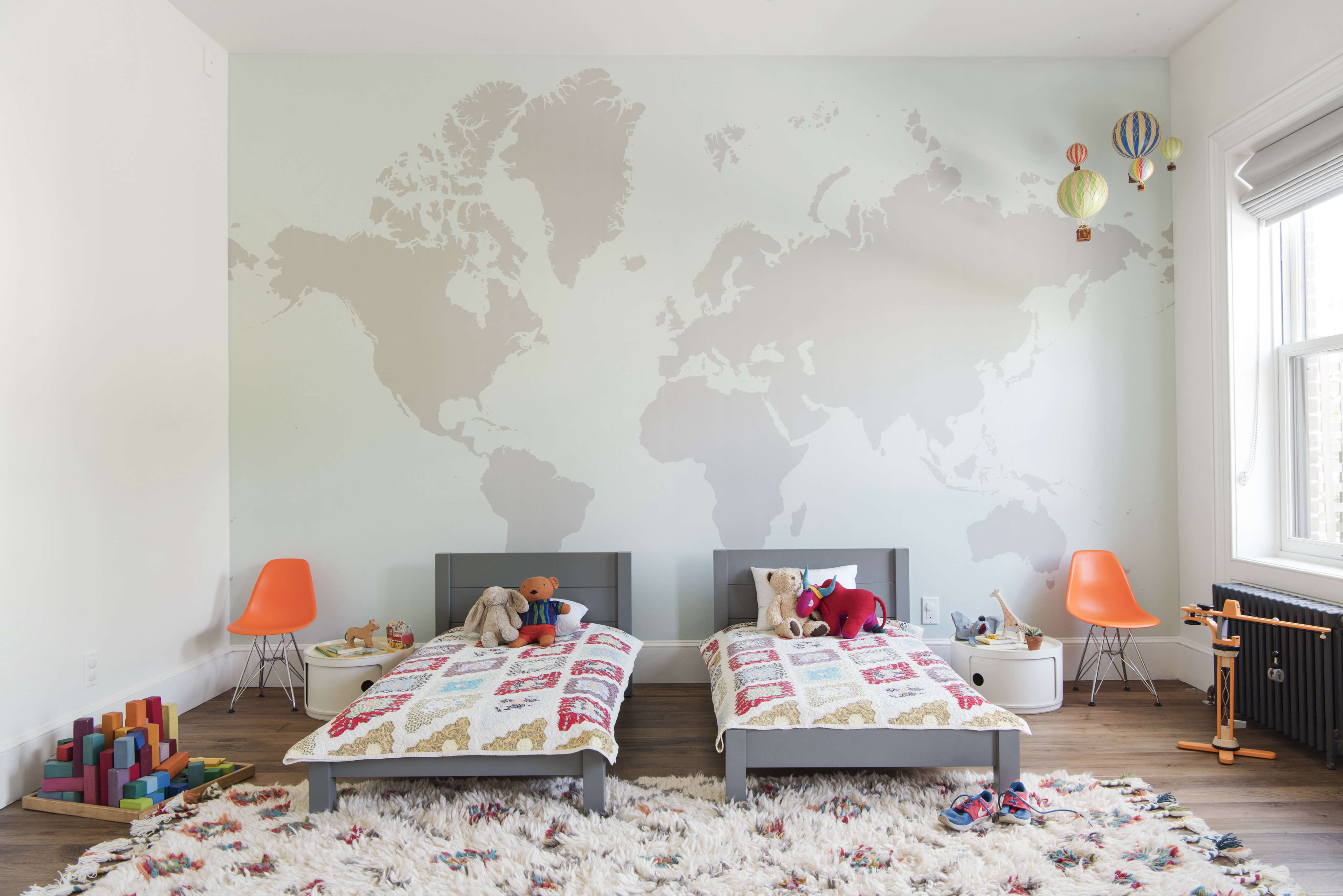 kids-bedroom-with-map-on-wall-twin-beds-elizabeth-roberts