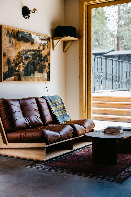leather-overstuffed-loveseat-coachman-hotel-tahoe