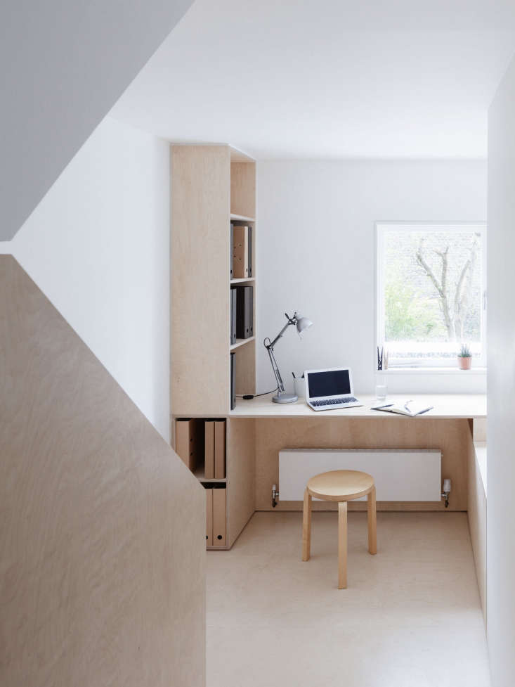 larissa johnston architects situated an office nook on the half landing of a st 10