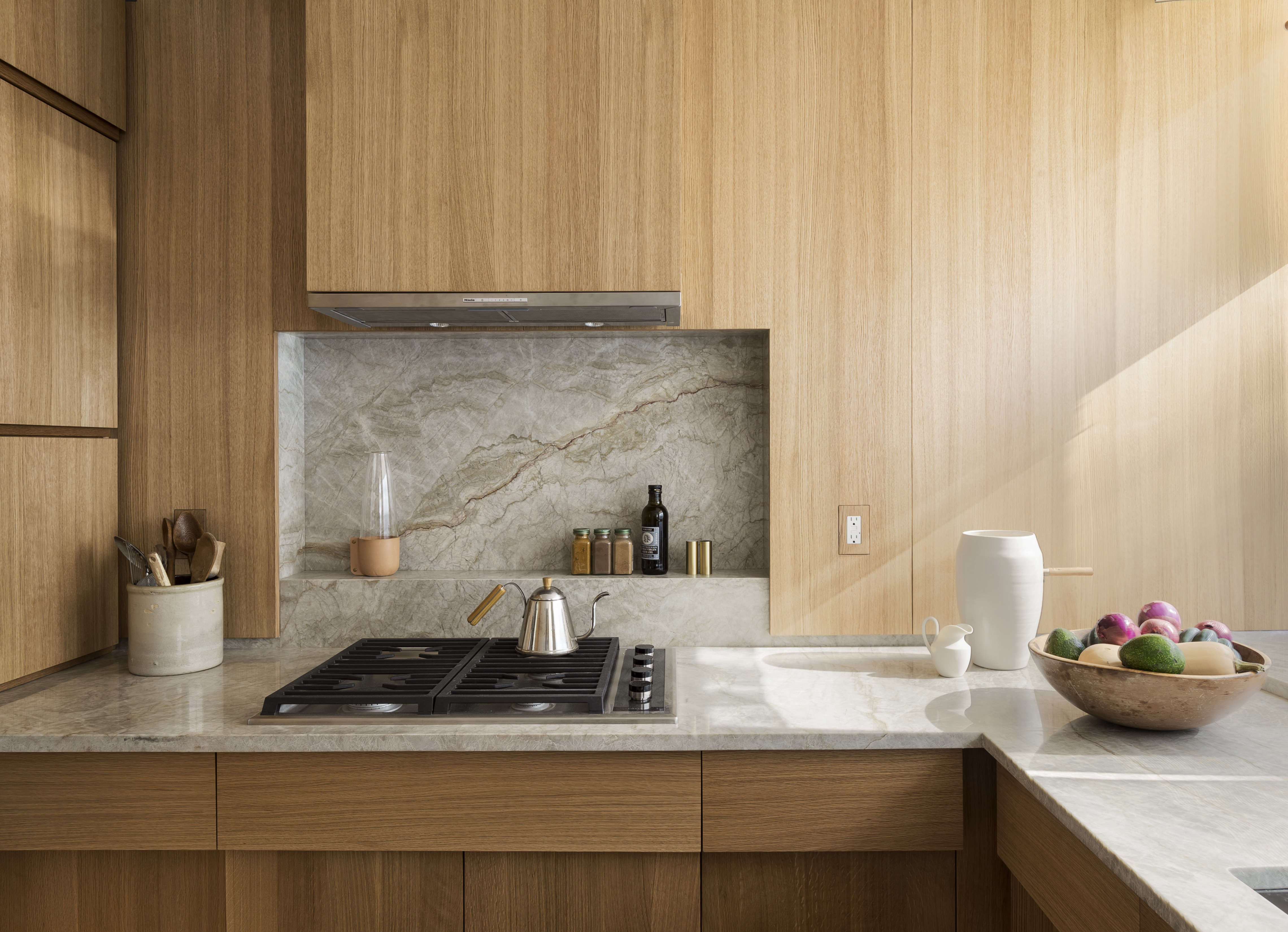 the artful shoebox apartment, workstead edition | remodelista