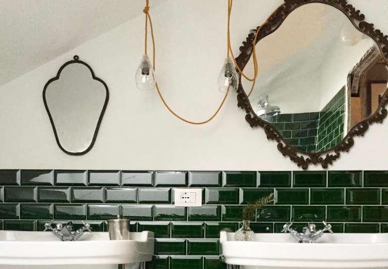 villa la madonna bathroom two sinks cover 1
