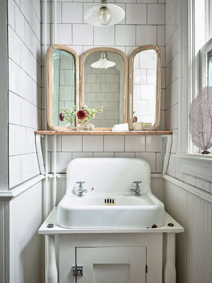 anthony-zio-this-old-hudson-bathroom