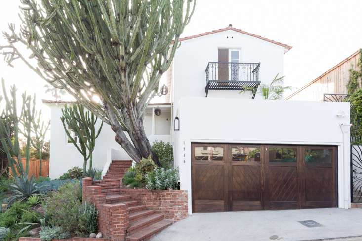 Garden Visit: Spanish Colonial-Style Made Modern in LA