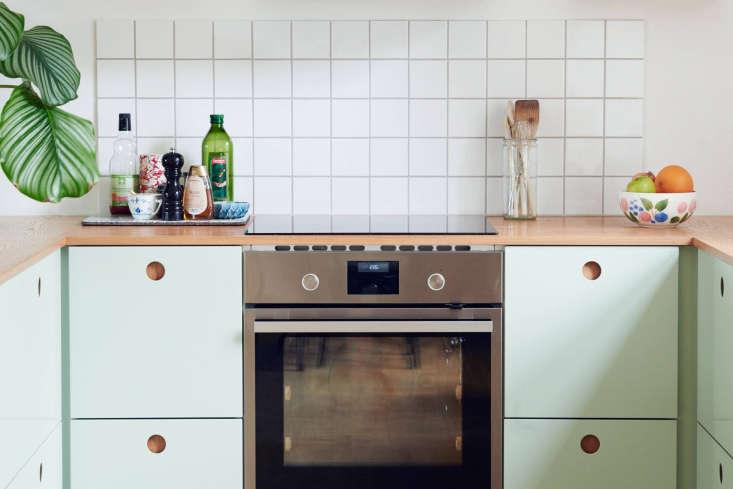 Kitchen of the week a copenhagen stylist reinvents her - Module de cuisine ikea ...