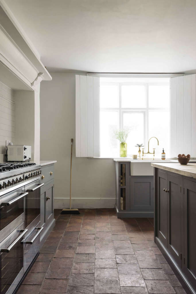 the cheshire townhouse kitchen by devol 16