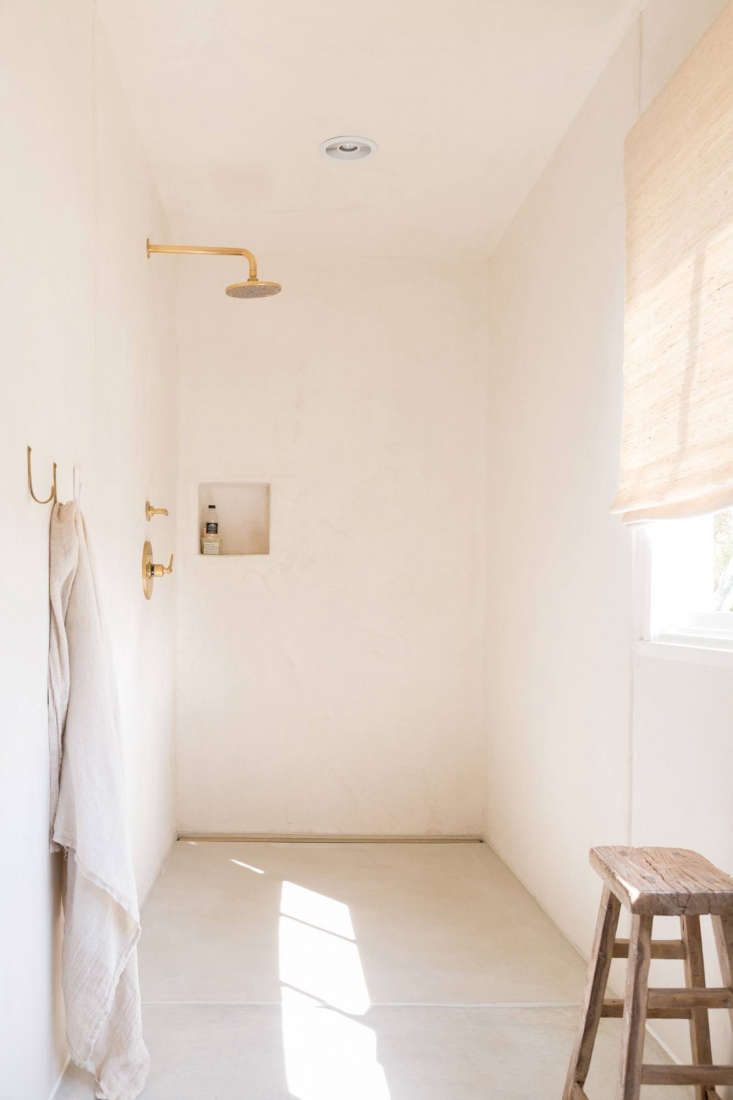 Gordana Golubovic LA Home Bathroom, Photo by Lauren Moore
