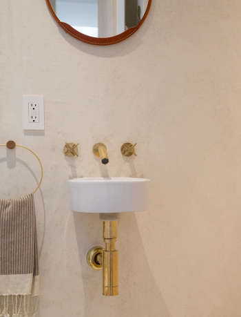 Gordana Golubovic Tiny Sink in Bathroom, Photo by Lauren Moore