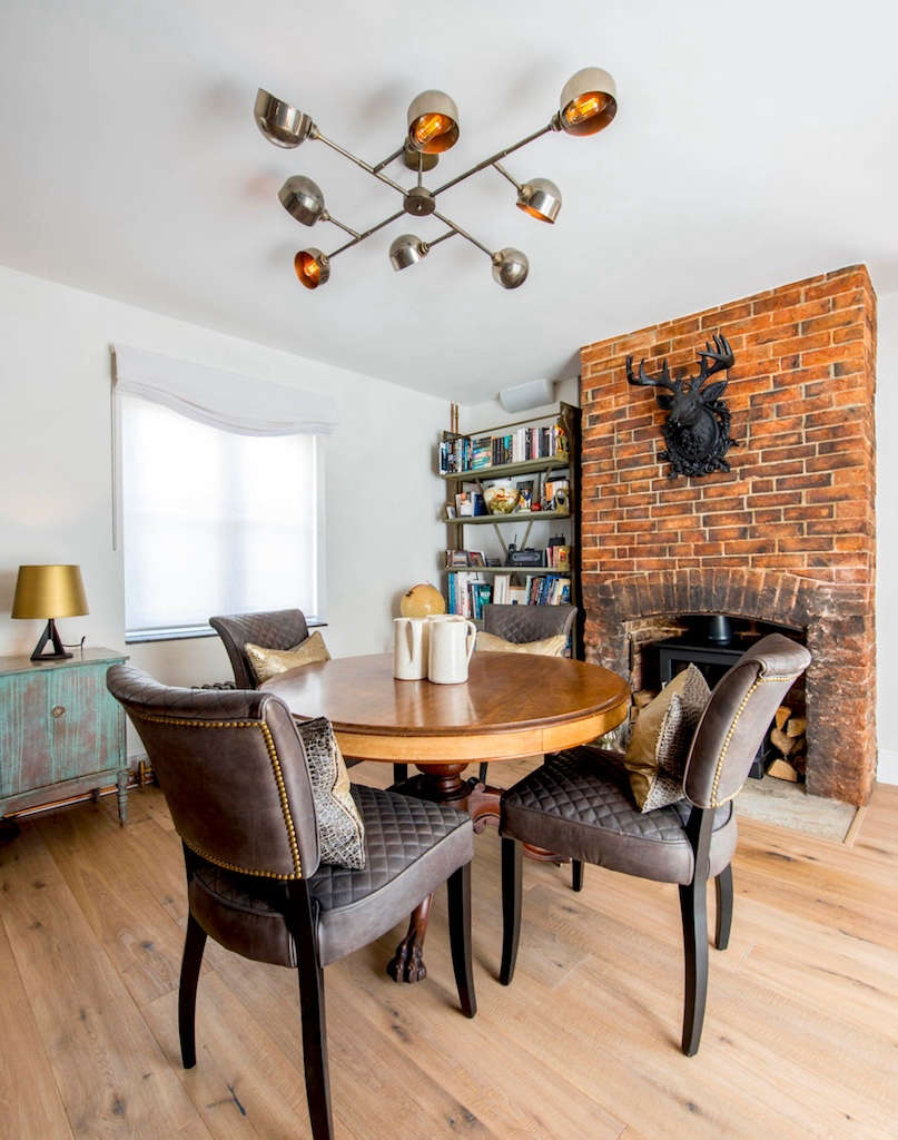 the dining area & fireplace 15