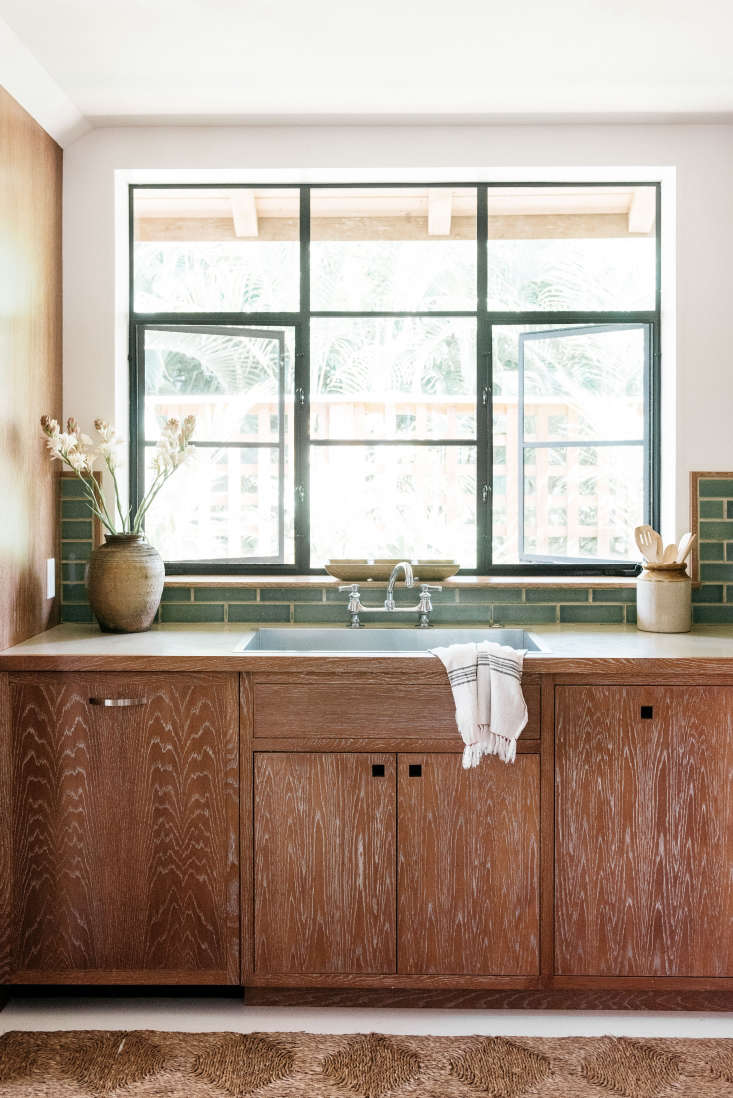 Hawaii Carriage House Kitchen Sink