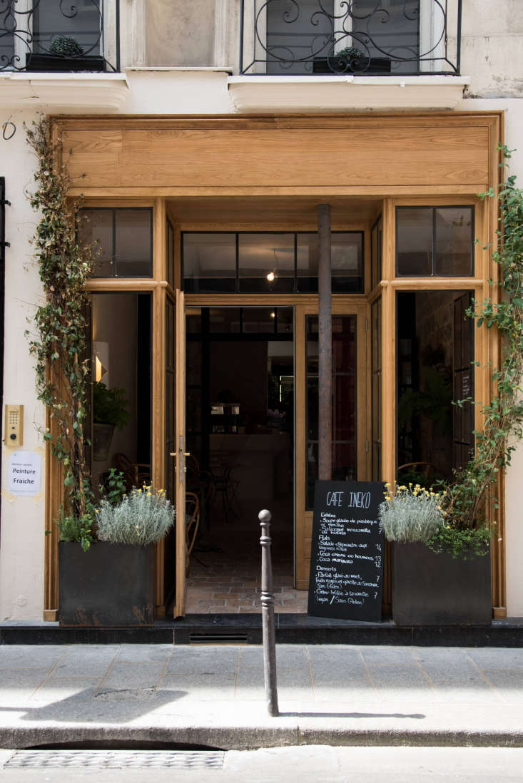 Pnc Real Estate Newsfeed Summer In The Chateau Garden 11 Vintage Ideas To Steal From Cafe Ineko In Paris