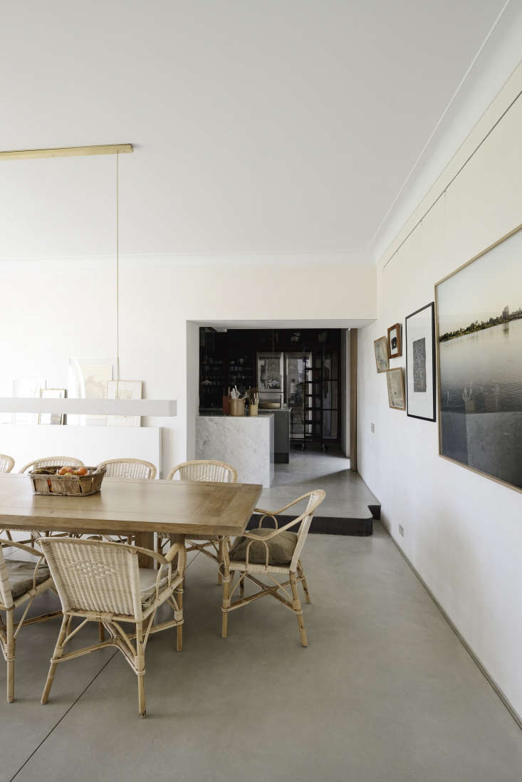 Provencal dining room in a remodeled mas, Les Baux de Provence, LSL Architects. Katrin Vierkant photo.