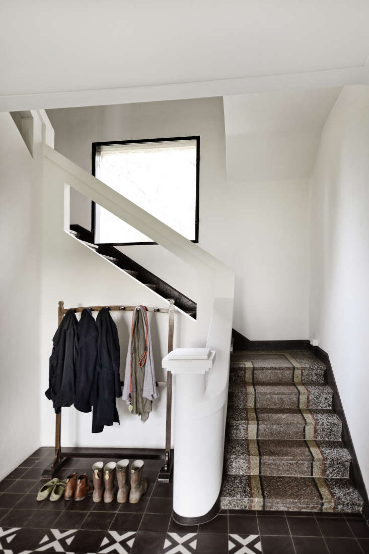 Terrazzo stairs and tiled entry, LSL Architects' refurbished 18th century farmhouse Les Baux de Provence. Katrin Vierkant photo. Terrazzo stairs and tiled entry, LSL Architects. Katrin Vierkant photo.
