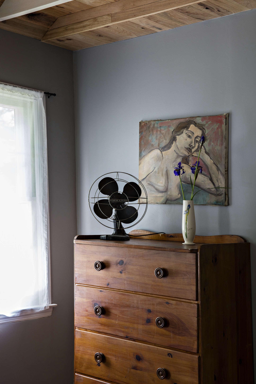 the glen wilde bungalow dresser with fan