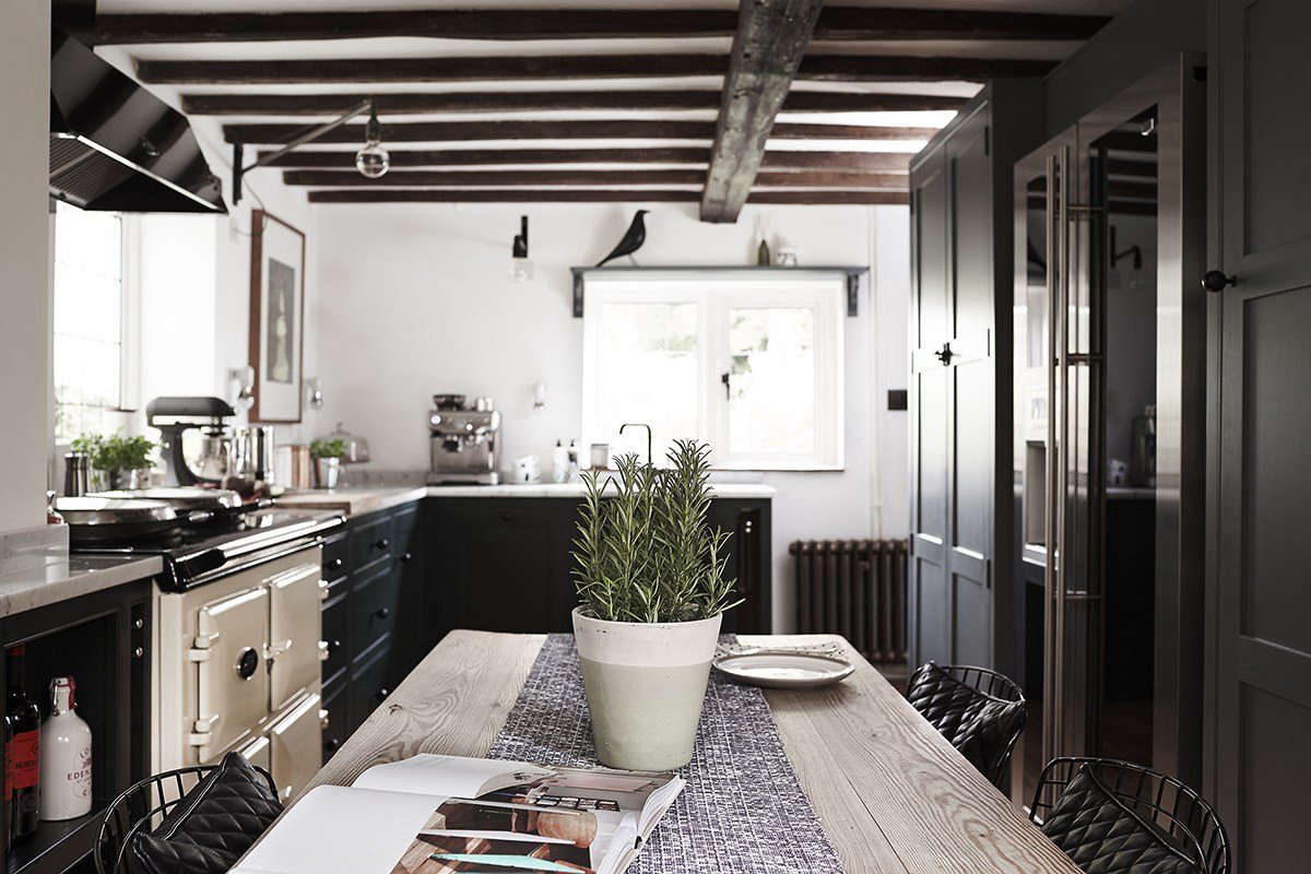 Best Professional Uk Interior Thatched Cottage Kitchen By Fawn Interiors Remodelista