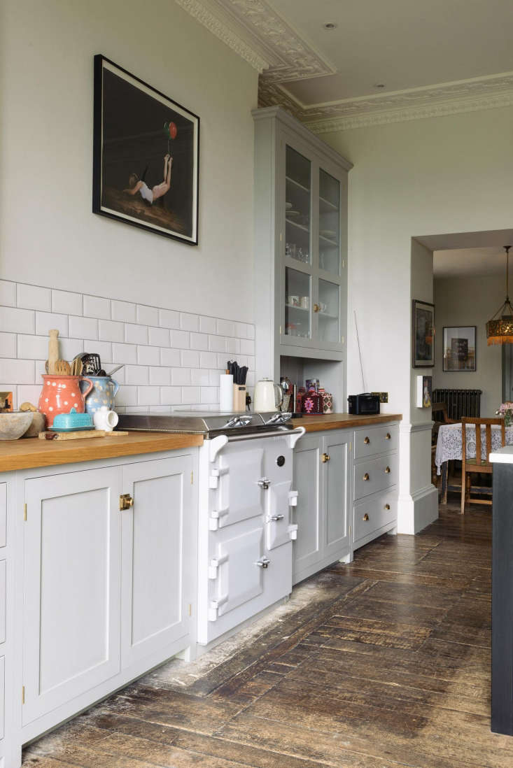 Vintage style and urban chic in English Country kitchen by deVOL