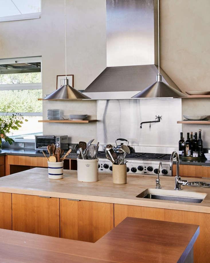 Singer Kitchens: PNC Real Estate Newsfeed » Winemaker Stephen Singer's