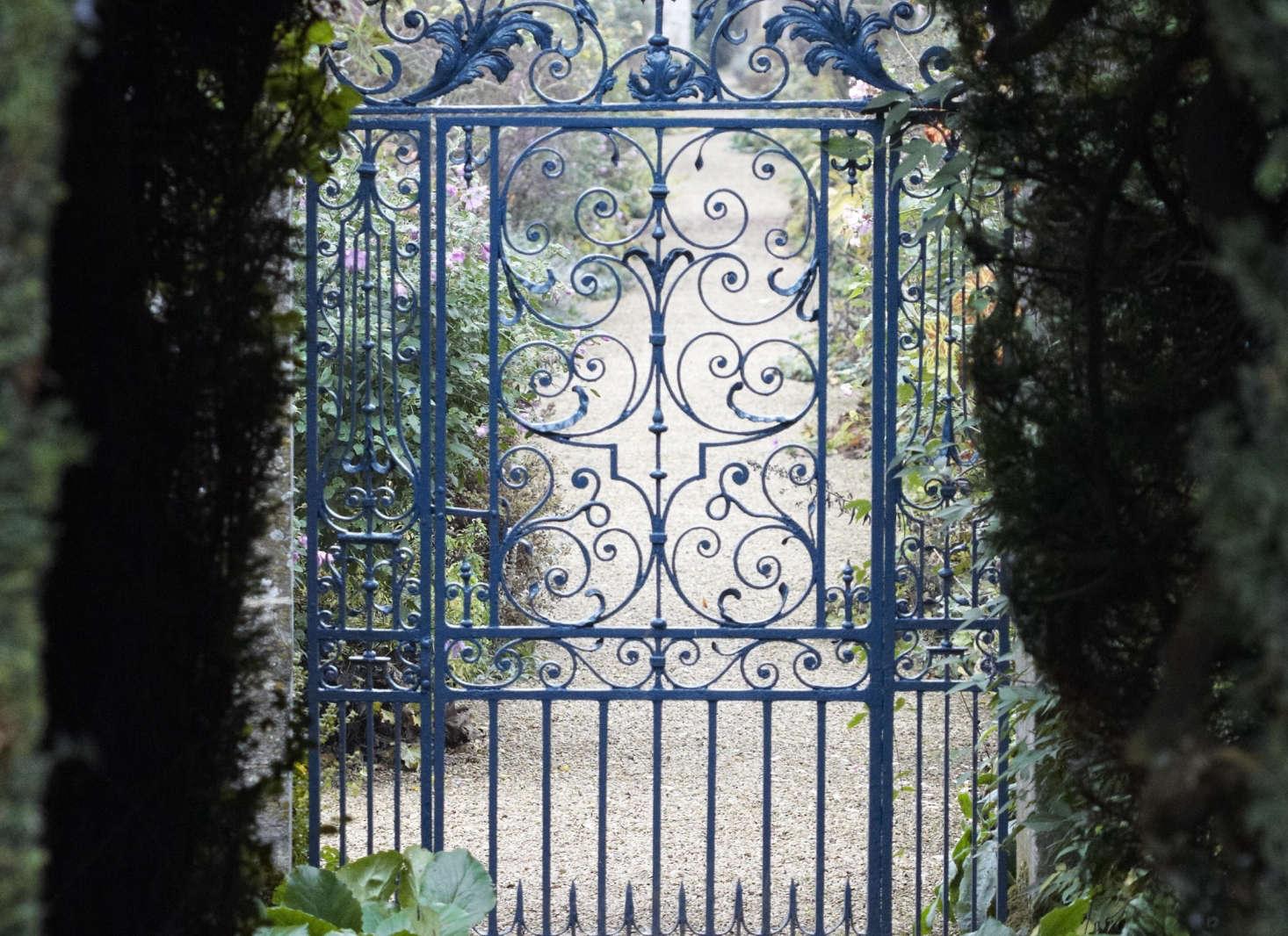 iron gate blue paint britt willoughby dyer   1 1466x1066