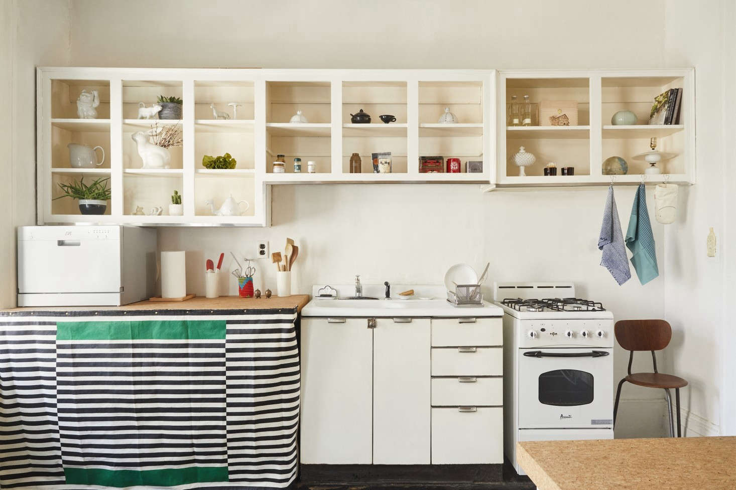 Expert Advice: 10 Genius, Reversible, Budget-Friendly Hacks to