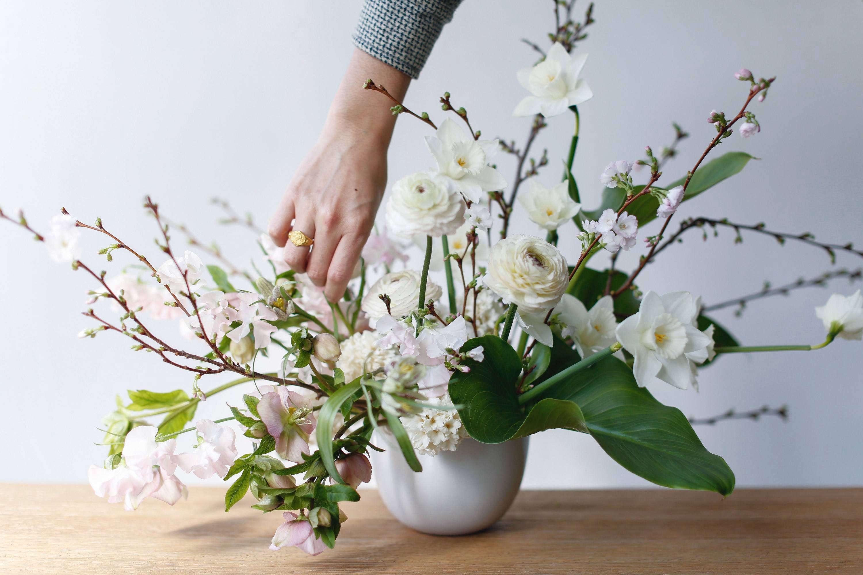 Flower Arrangements 101 A Crash Course For Easy And Elegant Florals Gardenista