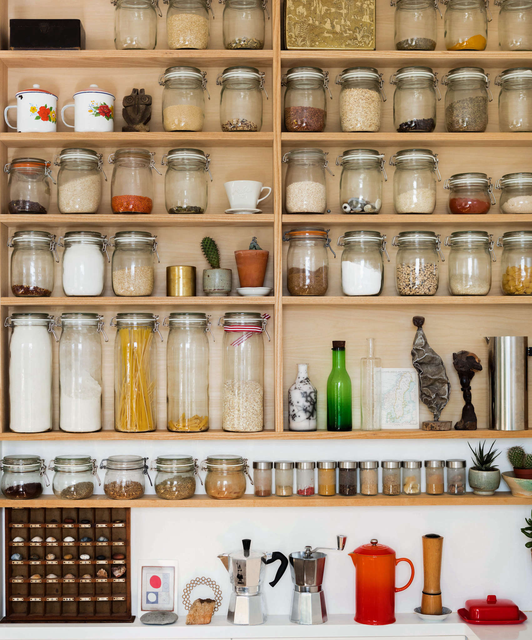 10 Tips For Maximizing Storage In A Tiny Kitchen