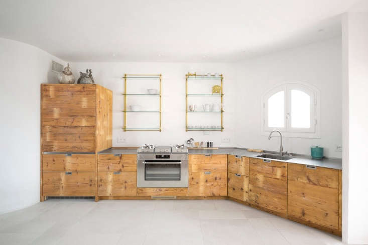 Italian kitchen made of reclaimed larch wood
