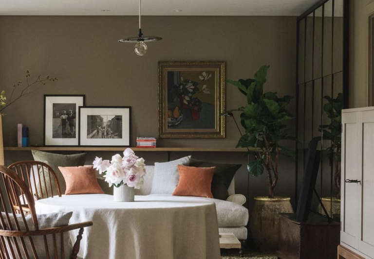 heckfield place guest room table