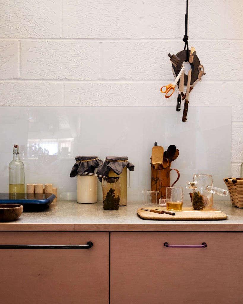 Kitchen of the Week: A Glassmaker's Imaginative Studio Kitchen in London, DIY Ikea Hacks Included