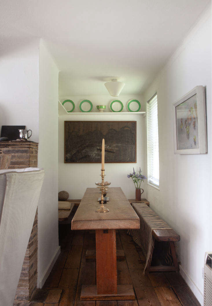 peachy pink tapers illuminate a snug breakfast nook at kettle&#8\2\17;s yar 19