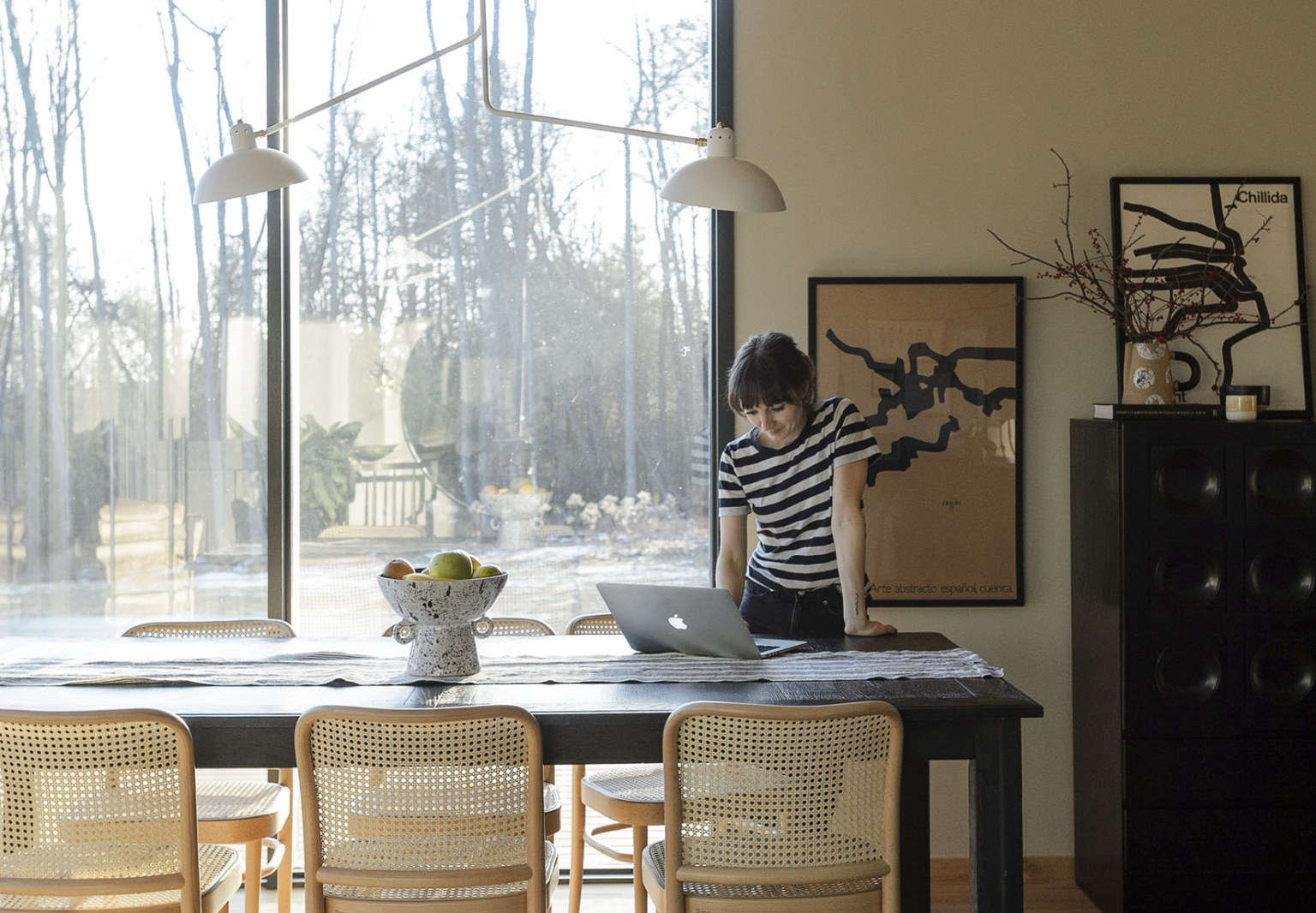 Natural Instincts An Interior Designers Weekend Home Built for Tranquility portrait 3