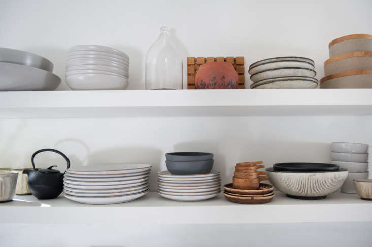 Current Obsessions Upcycled Finds Leanne and Michael Citrone Lake Arrowhead, California, cabin kitchen, interior design by Lauren Soloff. Melissa Gidney photo via Rip and Tan.