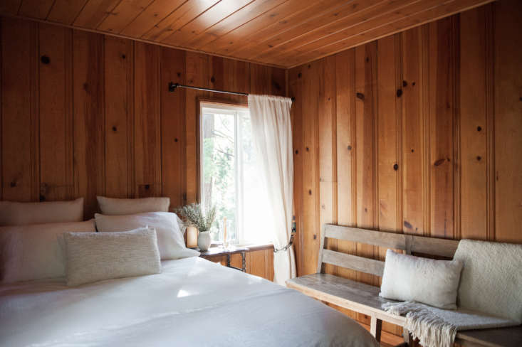 Current Obsessions Upcycled Finds eanne and Michael Citrone's Lake Arrowhead, California, cabin, interior design by Lauren Soloff. Melissa Gidney photo via Rip and Tan.