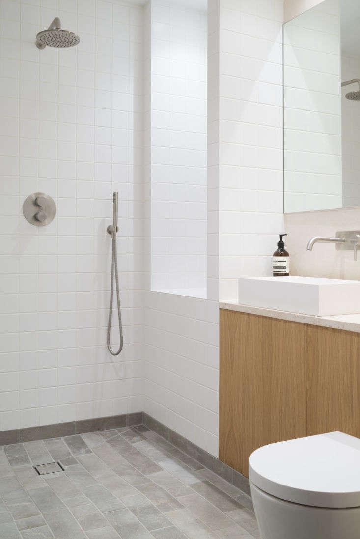Porteous Studio bathroom, Edinburgh, Izat Arundell design. Zac and Zac photo.