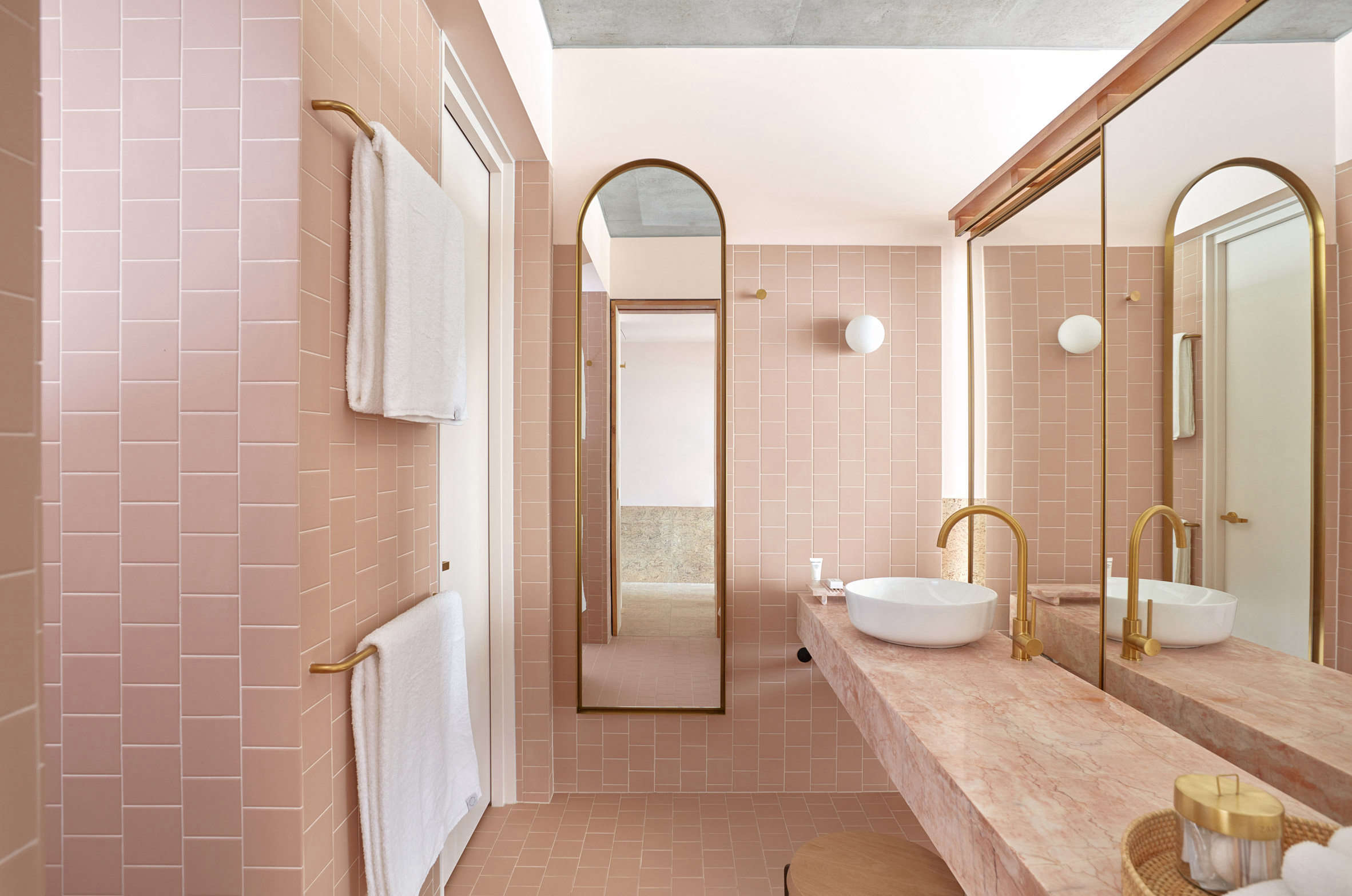 Powder Room: 11 Favorite Pink-Hued Bathrooms, Modern Edition