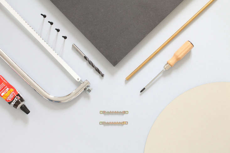 Parts for the DIY swivel mirror by Heju.