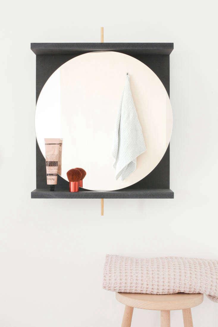 DIY swivel mirror by Heju.