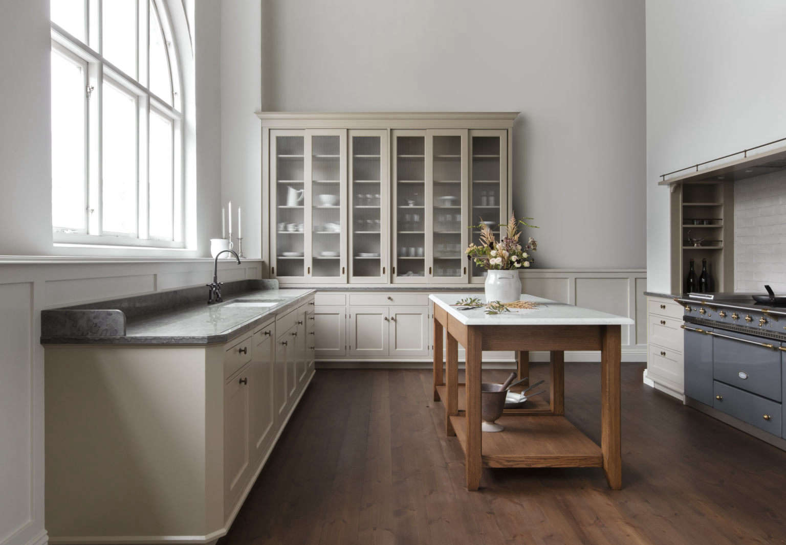 kvacc88num real classic karleby kitchen in almond 1