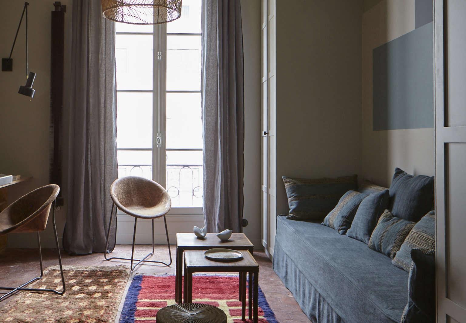 marianne evennou blue paris apartment living area