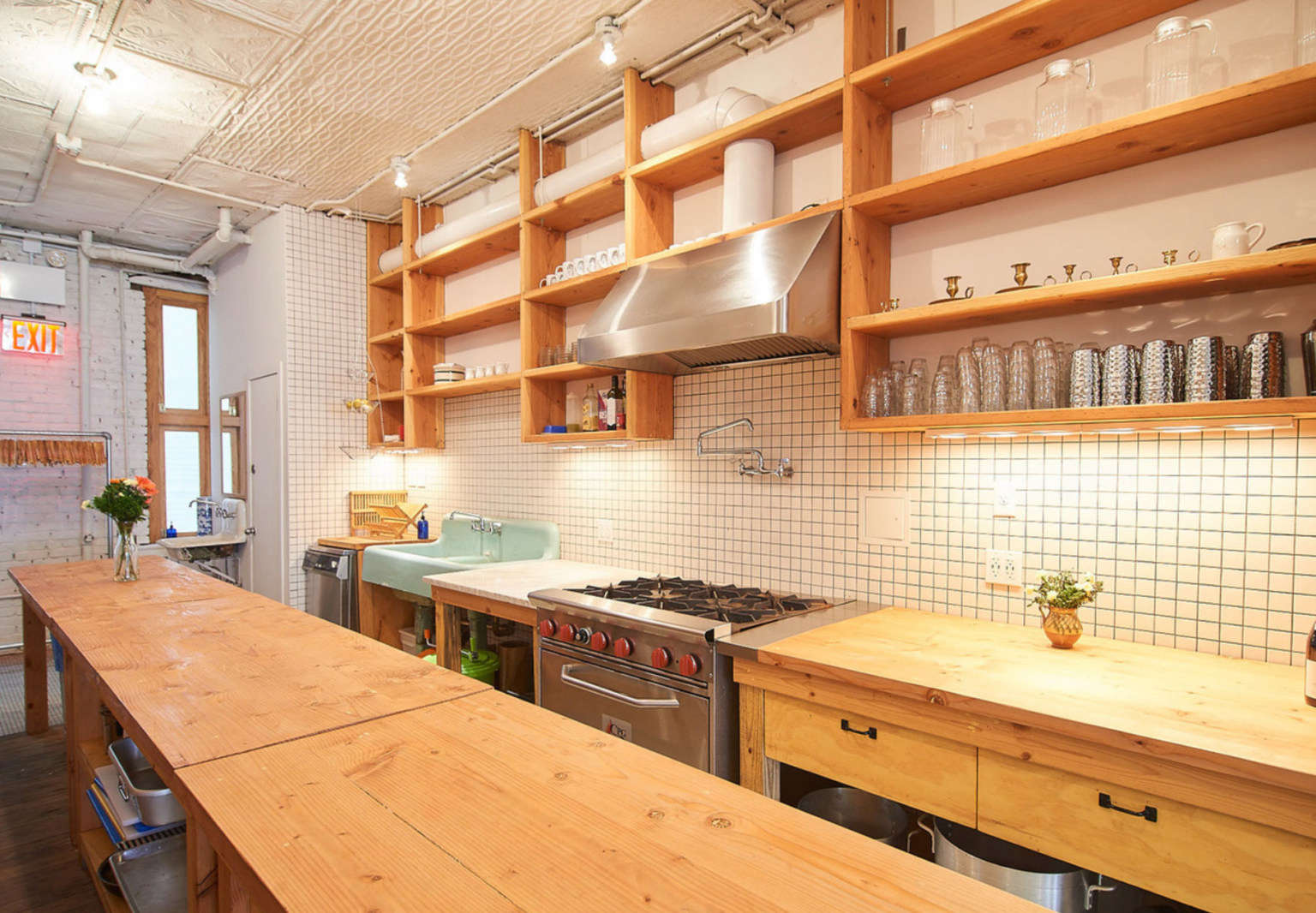 lees on canal kitchen