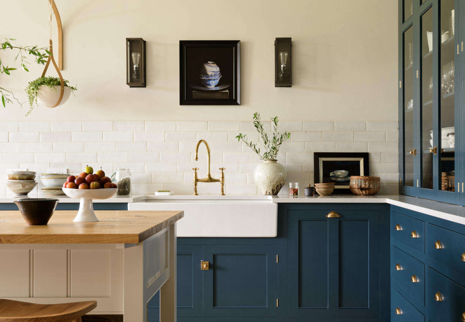 Kitchen of the Week An Imposing English Manor Updated for Modern Family Life portrait 3