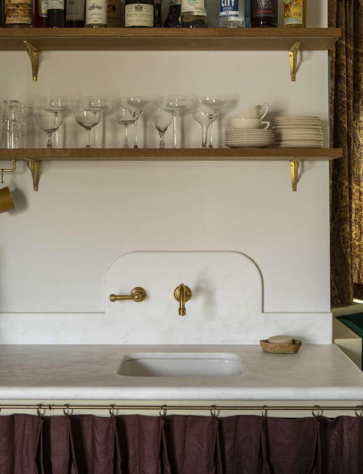 Reath Design Little Holmby house, LA, kitchen. Laure Joliet photo.