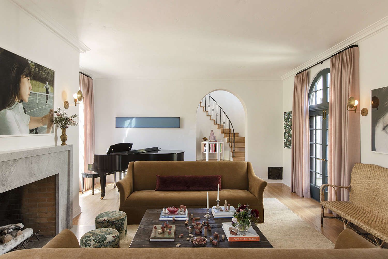 rich and warm tones balance the living space. from la autumnal: a \19\20s house 9