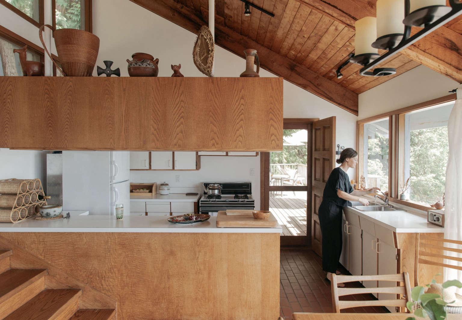 chessa osburn vancouver cabin gillian stevens kitchen3 1536x1066