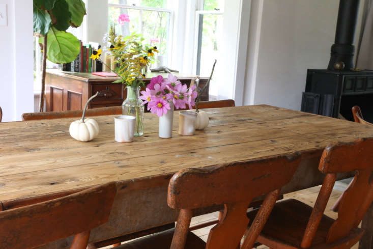 Dining table still life, upstate NY remodel by Amanda Pays. Rebecca Westby photo.