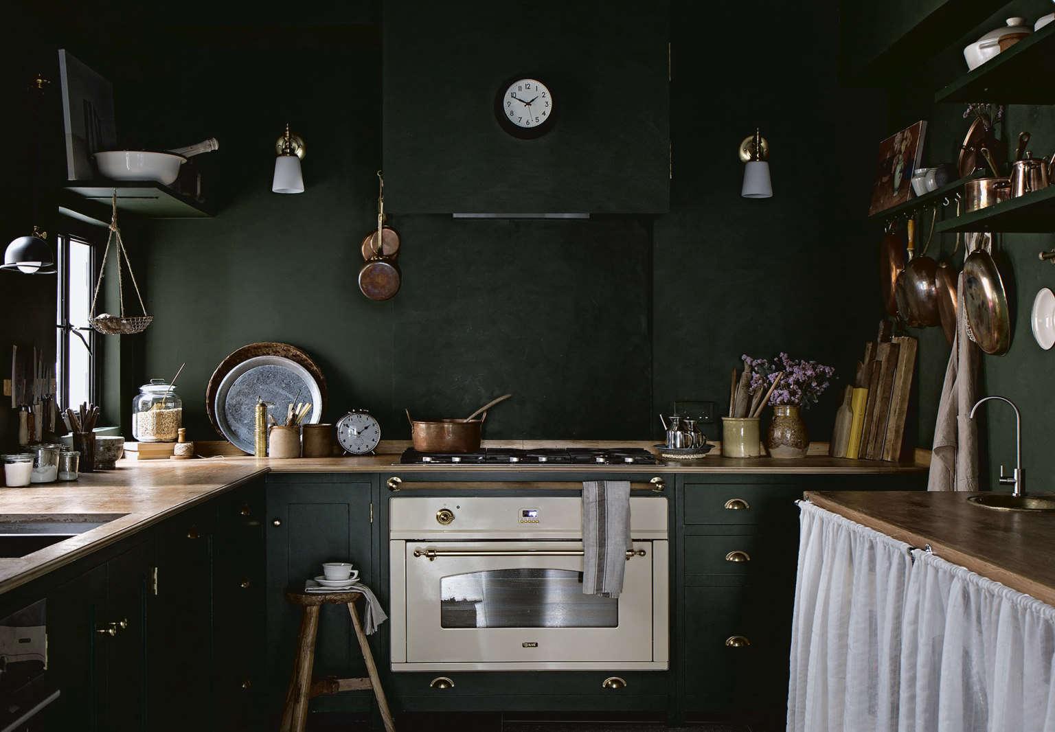 lady pups mandy lee kitchen vertical