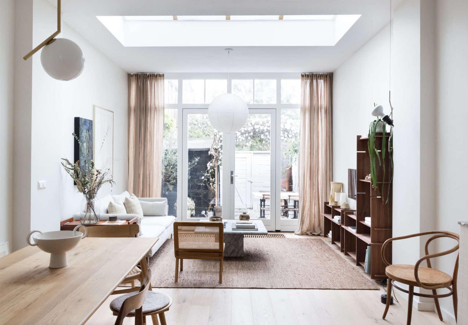 avenue design studio rembrandt residence living room 2